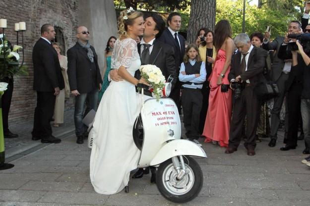 Matrimonio In Diretta : Eva henger sposa in diretta tv a quot domenica live tuttonews