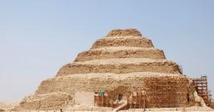 Piramide-a-gradoni-di-Saqqara