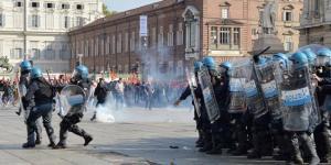 torino scontri studenti 2014