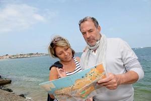 senior-couple-map