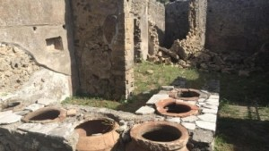 pompei crollo muro